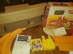1960s Hot Wheels Rod Runner speedway set & original box plus Drag Race Launcher