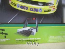 Auto World NHRA John Force Pro Racing Drag Strip slot car set auto world F13