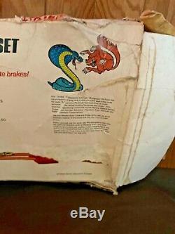 Hot Wheels 1969 Snake & Mongoose Drag Racing Set withcars