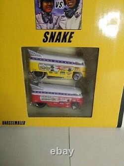 Hot Wheels Classics Mongoose & Snake VW Drag Bus Race Set #J4225 NRFB 2005 164