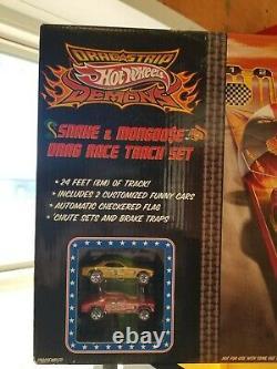 Hot wheels mongoose snake drag race set