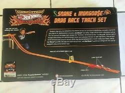 TOYS R US Hot Wheels SNAKE & MONGOOSE Drag Race Track Set 2009