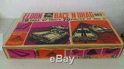 132 Vintage 1967 Eldon 2 En 1 Race N Drag Set Charger Et Mustang Complète Mib