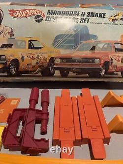 1969 Hotwheels Original Mongoose & Snake Drag Race Set Avec Voitures Redline Rare Trouver