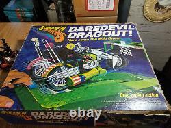 1971 Hasbro Scream'n Démons Daredevil Drag-out Moto Racing Set Avec Vélo Supplémentaire