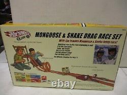 2005 Hot Wheels Classics Mongoose Et Snake Drag Race Set