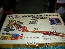 Hot Wheels Classics 2005 Mongoose Et Serpent Drag Race Mis Mint Dans La Case 2 Voiture Étanche