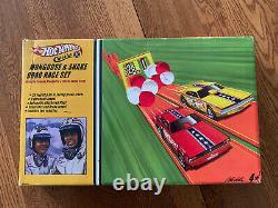 Hot Wheels Classics Mongoose & Snake Drag Race Set Factory Sealed 2005 Hot Wheels Classics Mongoose & Snake Drag Race Set Factory Sealed 2005 Hot Wheels Classics Mongoose & Snake Drag Race Set Factory Sealed 2005 Hot Wheels
