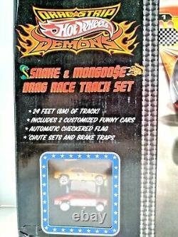 Hot Wheels Drag Strip Démons Mongoose & Snake Drag Race Set Autographié Par Les Deux