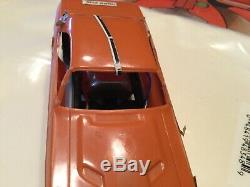 Scat Ville 1970 Dodge Challenger Drag Race Set En République Slot Car